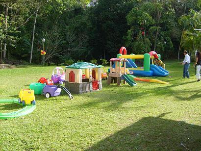 Atracciones infantiles el mundo del brinko for Juegos para jardin nios
